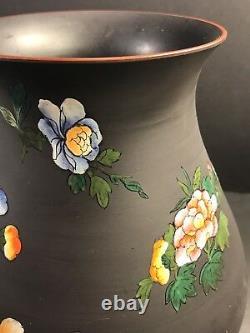 An Antique Wedgwood Etruria Porcelain Vase, Art Deco/ England Circa 1940/ Basalt