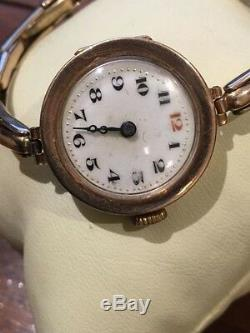 An Art-Deco 9K Yellow Gold ladies' Bracelet Watch. Circa 1930's. Porcelain Dial