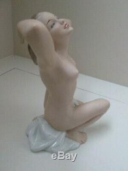 Art Deco Nude Lady Vintage Wallendorf Figurine Germany Porcelain 7 1/2 Tall