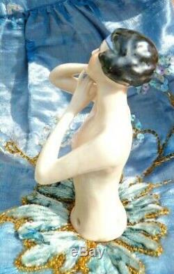 Demi Figurine En Porcelaine Garçonne Des Années 20, Art Déco