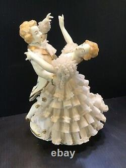 GERMAN DRESDEN LACE DECO COURTING COUPLE Waltz DANCERS PORCELAIN FIGURINE