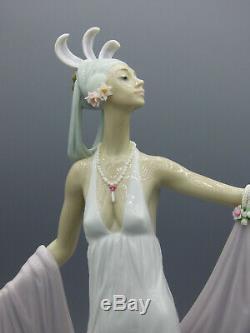Lladro Grand Dame 1558 Porcelain Figurine Art Deco Lady Gloss Spain