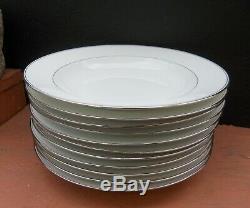 Porcelaine de Limoges période Art Deco assiettes partie de service