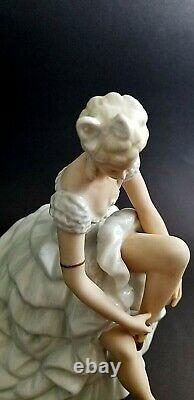 Schaubach Kunst Wallendorf Art deco Porcelain Figurine Statuette Ballerina