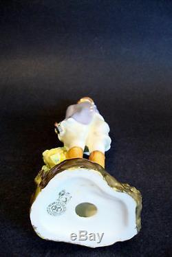 Unique Art Deco Royal Doulton Porcelain Female Figurine HN 1201'Hunts Lady