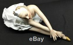 Wallendorf Germany Porcelain figurine Ballerina in white Swan lake AH488